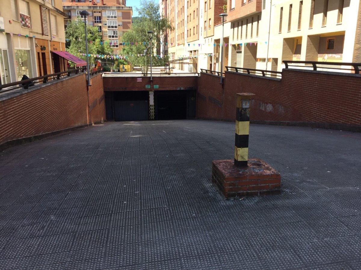 Parcela De Garaje Amplia Con Buen Acceso Y Buena Maniobra