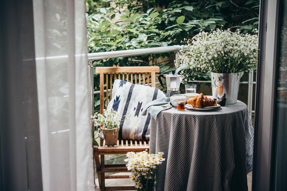 decoracion balcon desayuno_quorum