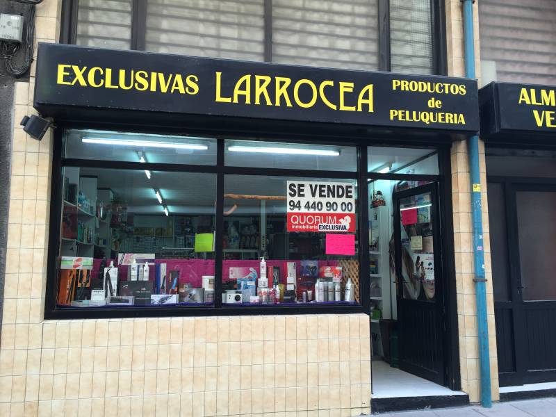 Local Comercial En Buen Estado En La Zona de Soloarte Exclusiva En Quorum