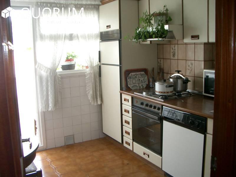 Piso Con Excelentes Vistas De 3 Dormitorios En Lemona