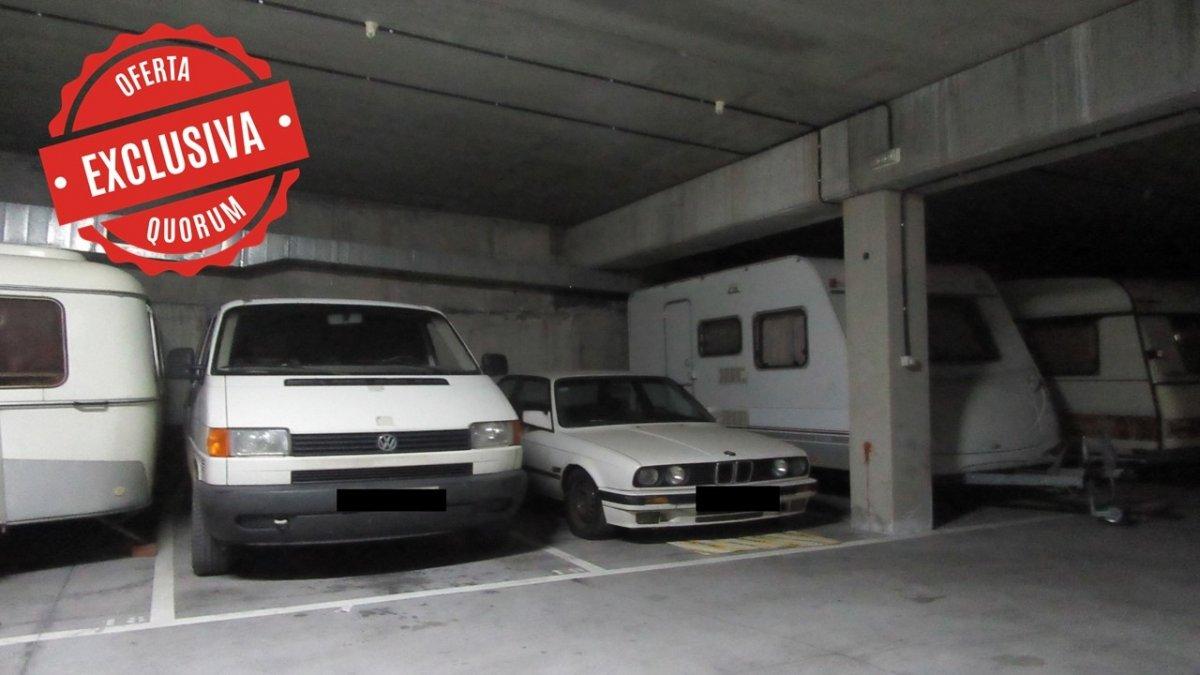 Dos Parcelas de Garaje Amplias Y Trastero En Zona Artunduaga