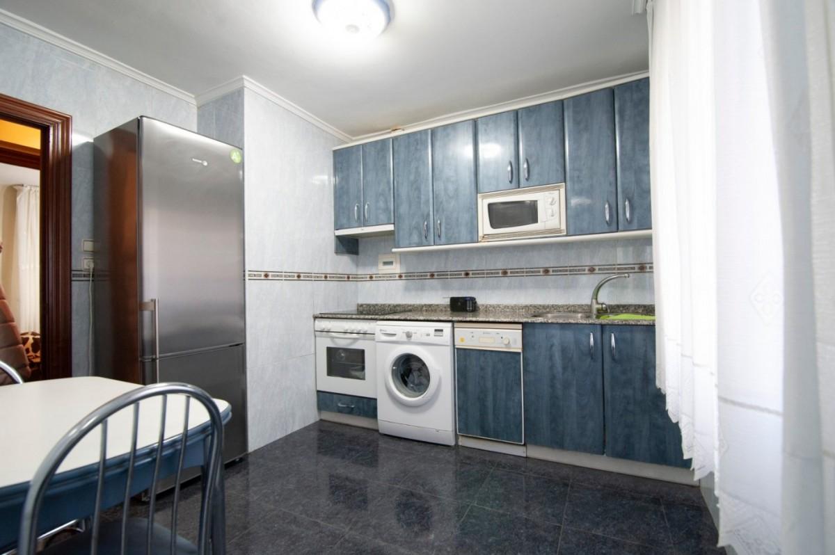 Piso Céntrico Para Entrar A vivir De 3 Dormitorios Con Amplia Terraza